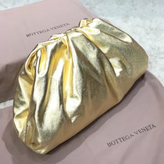 bottega veneta canta pouch duz gold parlak 35x20