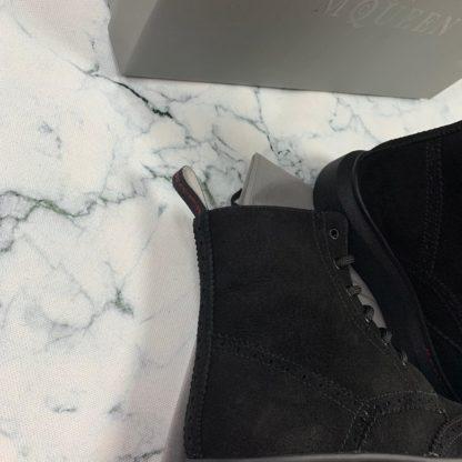 alexander mcqueen ayakkabi suet bot siyah