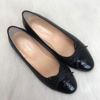 chanel ayakkabi balerinas siyah burun rugan babet
