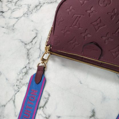 louis vuitton canta multi pochette 3 parca bordo mavi aski