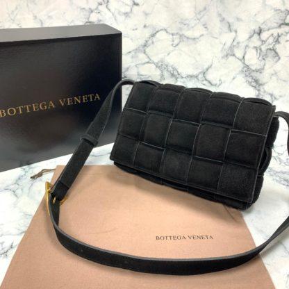 bottega vanetta canta Padded Cassette siyah suet 26x18cm