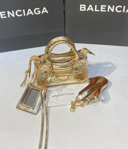 balenciaga canta city miniboy gold renk gold aksesuar 19x12