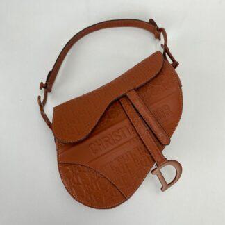 christian dior canta saddle embossed calfskin taba 25x20x6cm