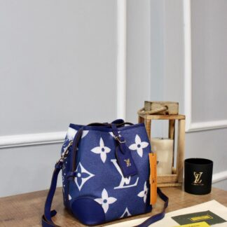 louis vuitton canta neo purse lacivert monogram logo 20x20x15 cm
