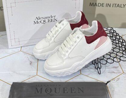 alexander mcqueen ayakkabi sneaker beyaz pudra bordo