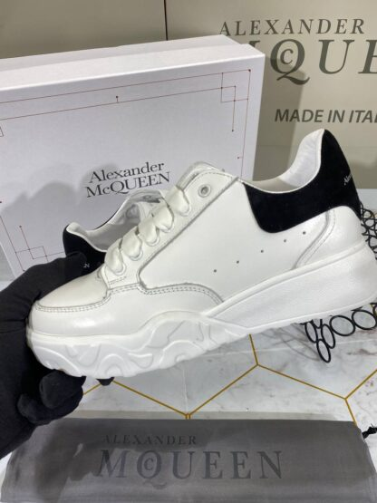 alexander mcqueen ayakkabi sneaker beyaz suet