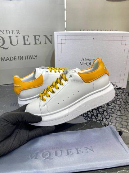 alexander mcqueen ayakkabi yeni sezon beyaz sari sneaker