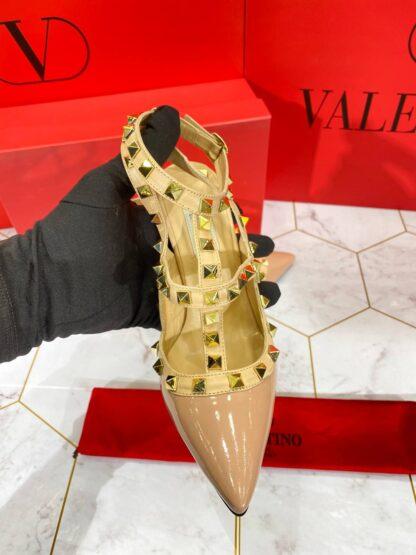 valentino ayakkabi rockstud kadin topuklu pudra rugan