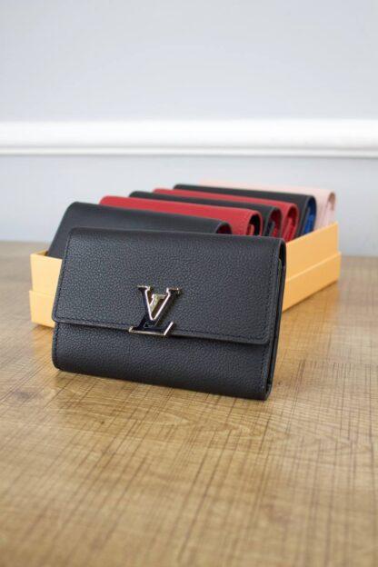 louis vuitton canta cappucines siyah kucuk cuzdan 13.5x9.5x3 cm