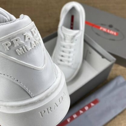 prada ayakkabi contrast sneakers beyaz