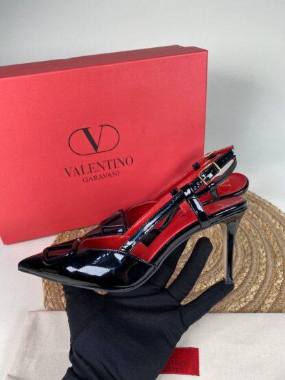 valentino ayakkabi garavani vlogo topuklu siyah ic kirmizi rugan