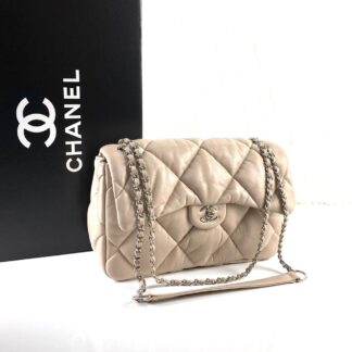 chanel canta jumbo chesterfield puffer 3.55 nude silver 30x20 cm