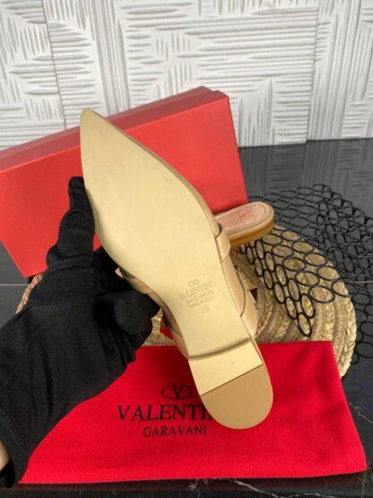 valentino terlik garavani rockstud nude