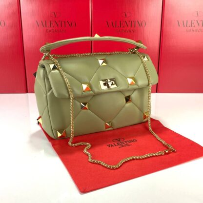 valentino canta large roman yesil stud with chain 30x20 cm